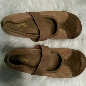 Womens Keen shoes